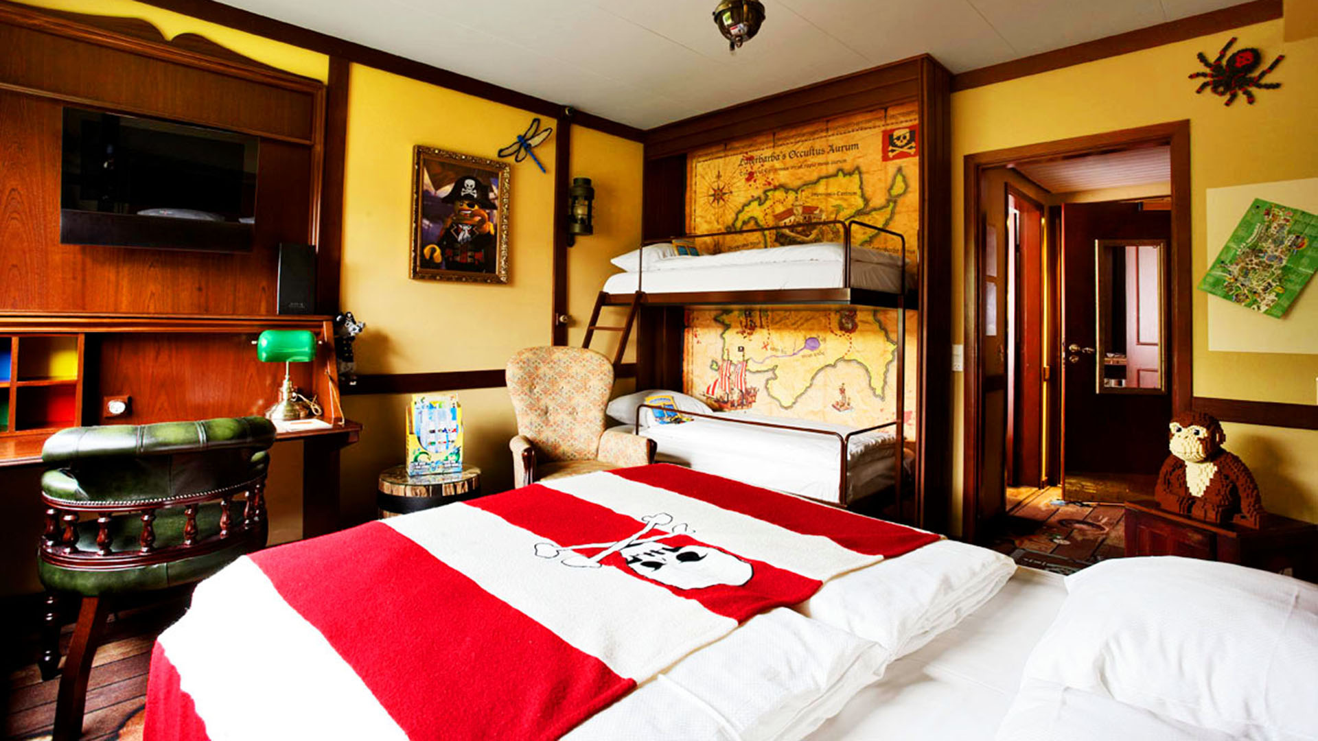 Pirate room | LEGOLAND® Billund Resort