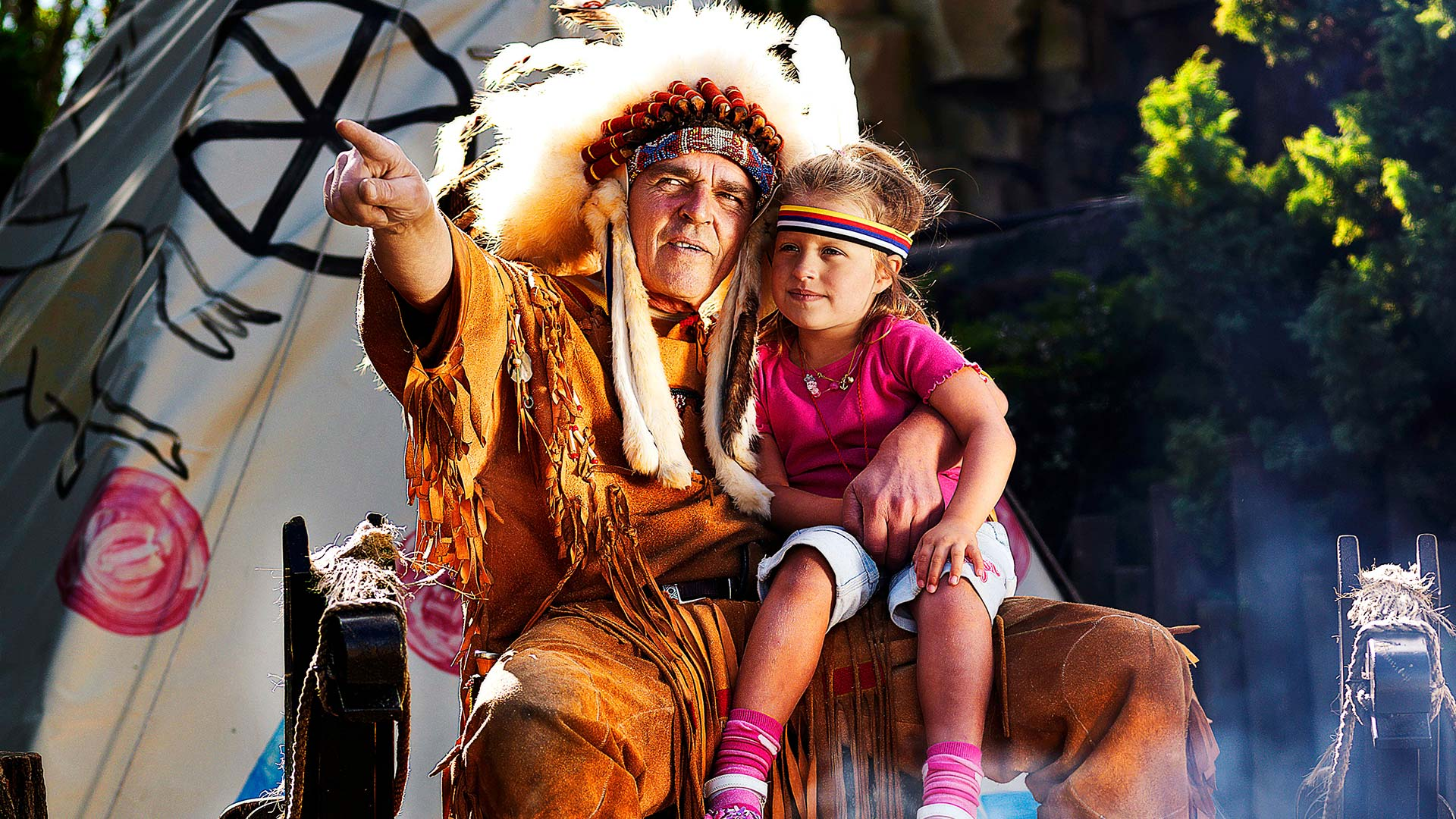 Indianchief With Girl 1920X1080px